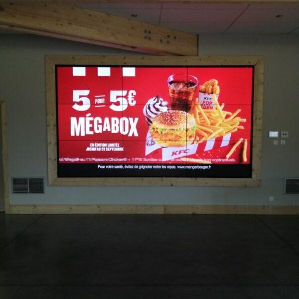 Mur d'images avec 9 écrans